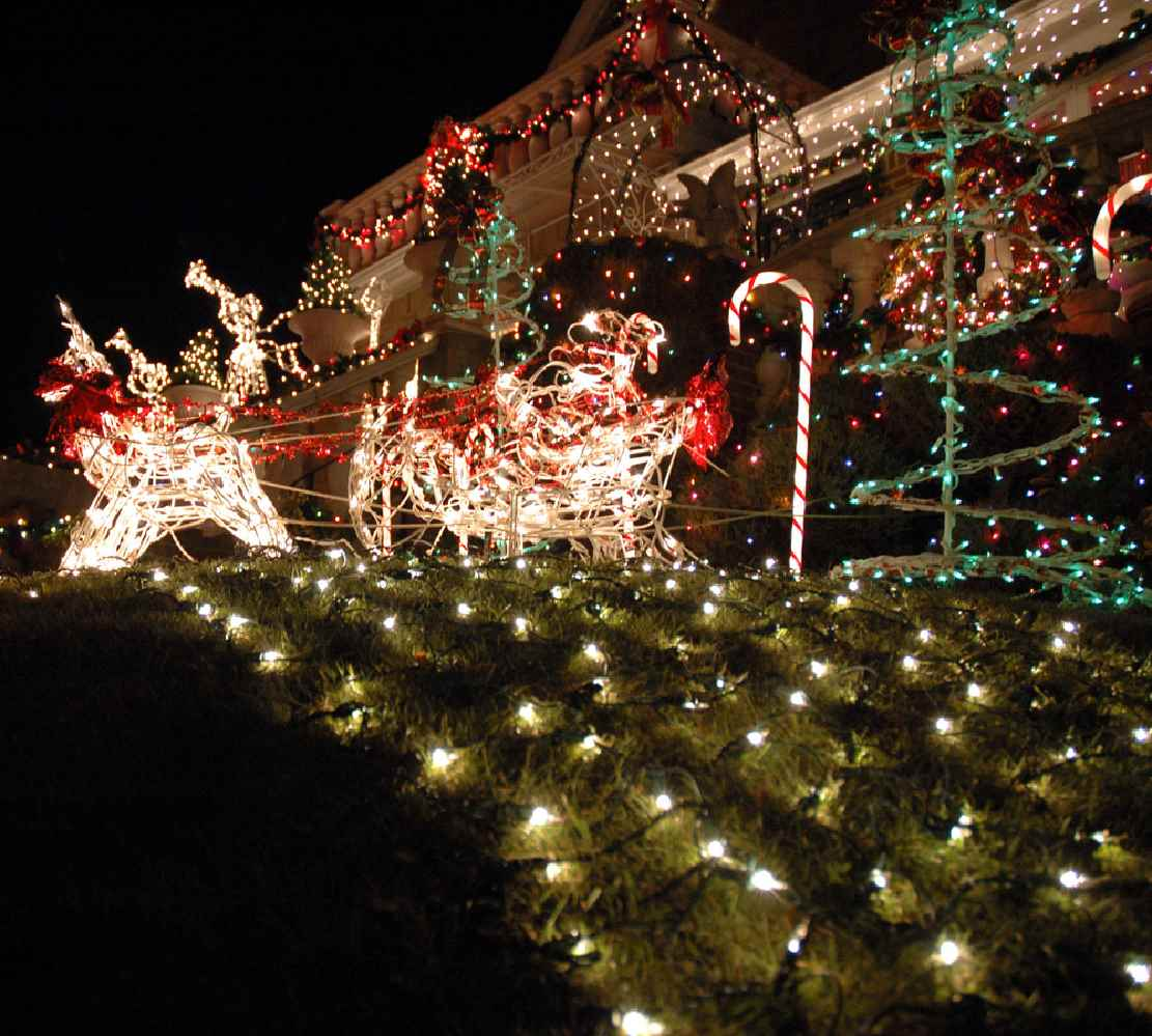 Holiday Lights Contest - New Baltimore Parks & Recreation